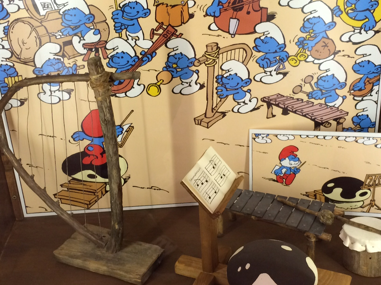 bruxelles_musée_de_la_BD_fev_2016_schtroumpf (3)