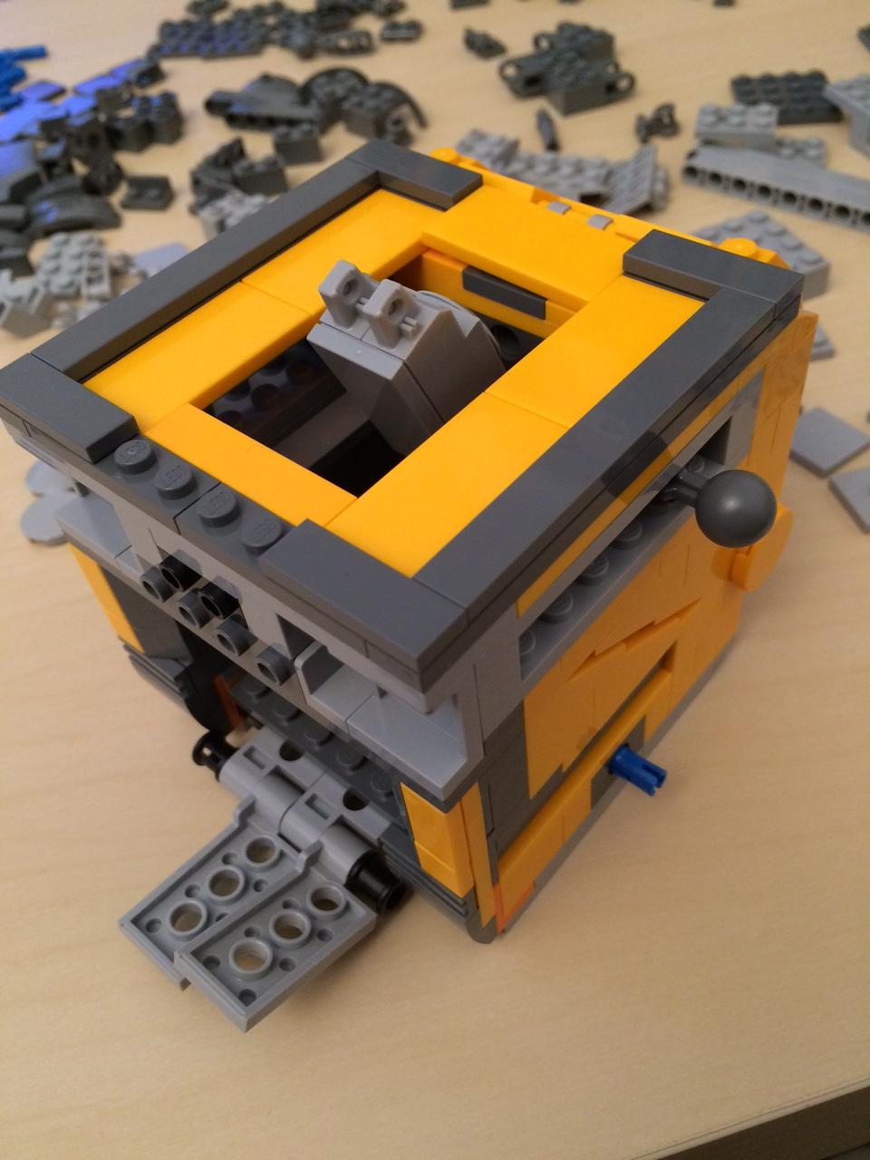 WALL-E_lego_montage_mai_2016 (7)