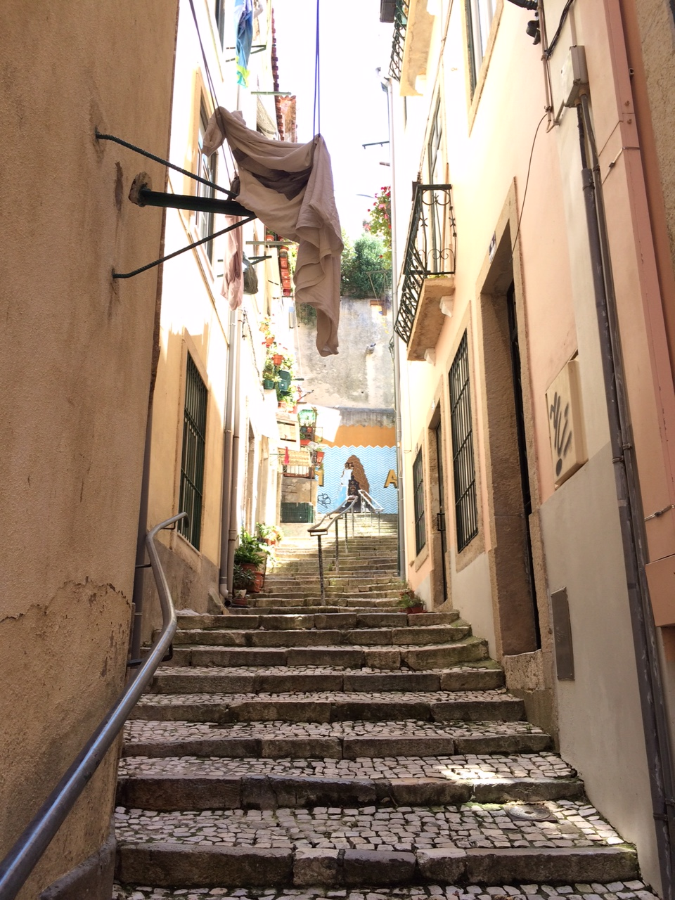 Lisbonne_juin_2016_sironimo_rues_escaliers_02