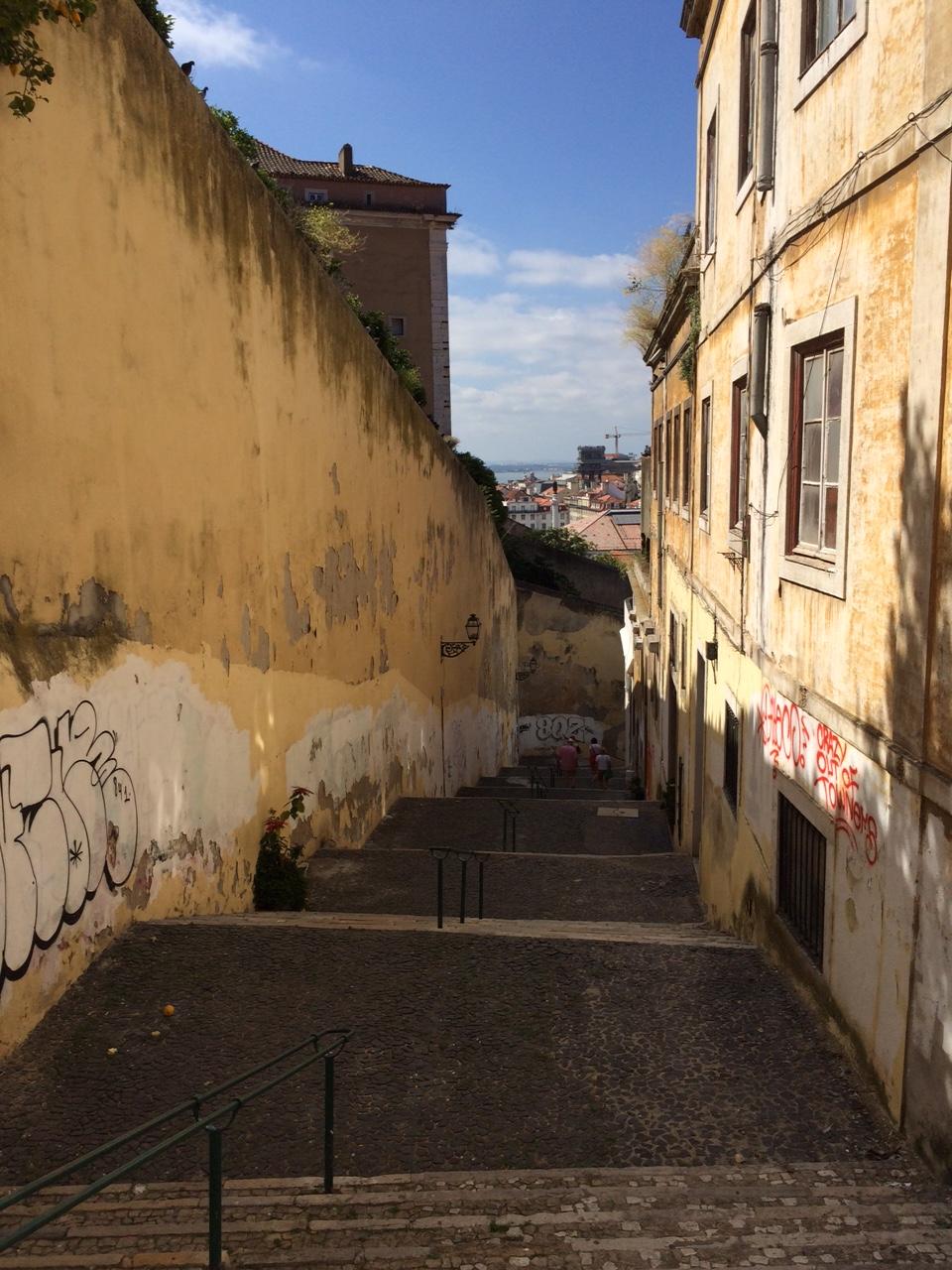 Lisbonne_juin_2016_sironimo_rues_escaliers_03